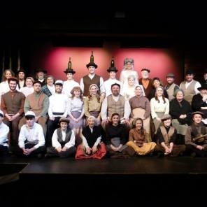 Fiddler Cast Photo