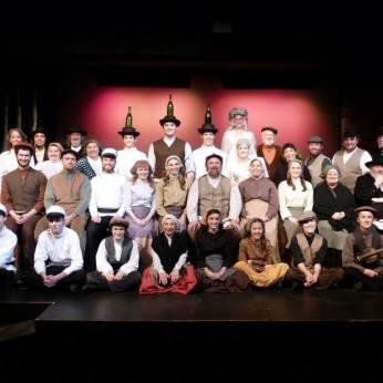 Fiddler Cast Photo